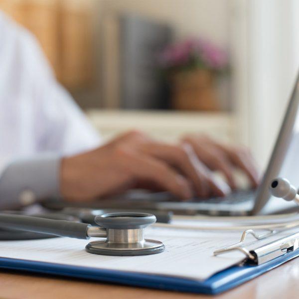 Aktualny raport na temat bezpieczeństwa szczepionek przeciw HPV